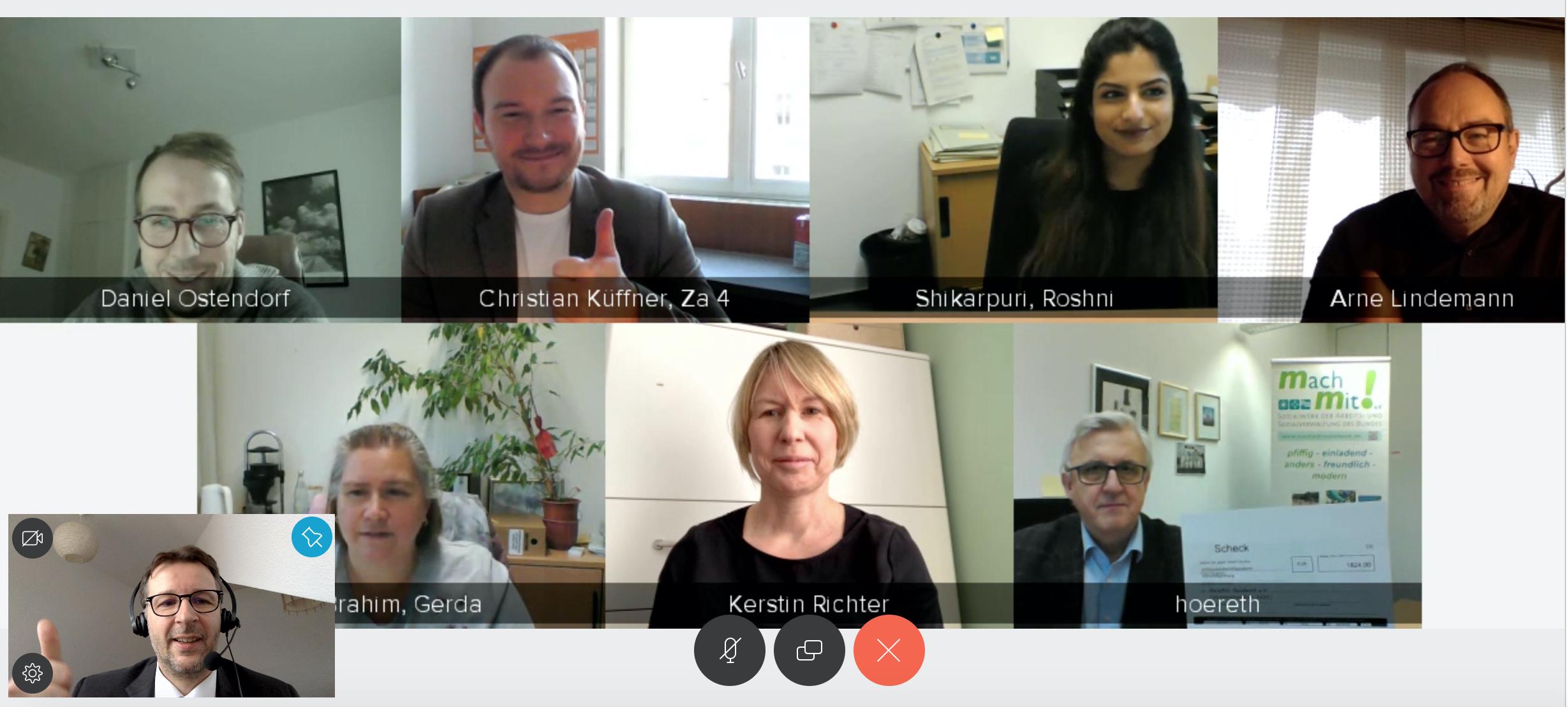 Bildschirmfoto aller Teilnehmer aus der Videokonferenz via Skype.